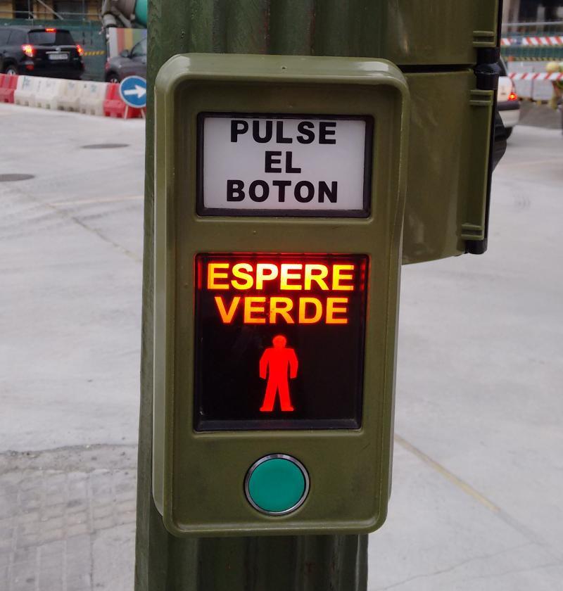 Pulse el boton. Espere verde.
